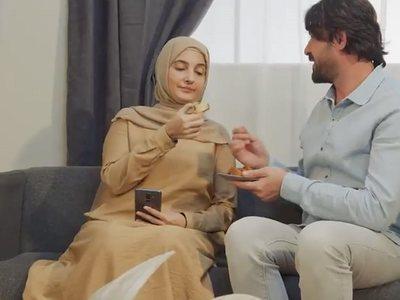 Σάλος στην Τουρκία από σποτ με οδηγίες οικογενειακής συμπεριφοράς