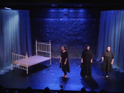 """""""Αφορμή... Τρωάδες"""" του Αχαιού Τάσου Αλατζά - Από τη θεατρική σκηνή στον υπολογιστή σας"""