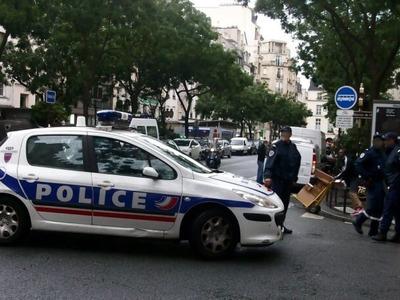 Παρίσι:  Ένας νεκρός και μία τραυματίας ...