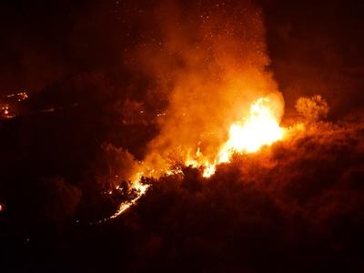 Ζάκυνθος: Δε λέει να κοπάσει η φωτιά στι...