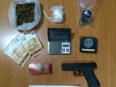 Αιτωλοακαρνανία: Είχε στο σπίτι του ναρκωτικά και πιστόλι