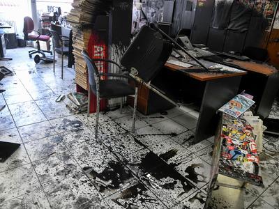 ΣΥΡΙΖΑ , ΝΔ και ΚΙΝΑΛ καταδίκασαν την επίθεση στην Athens Voice