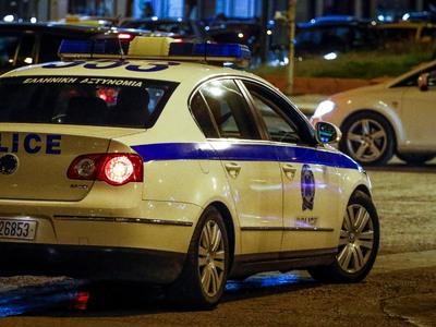 """Εξαρθρώθηκε από την Ασφάλεια Πατρών σπείρα που """"έσπρωχνε"""" κλεμμένα αυτοκίνητα"""