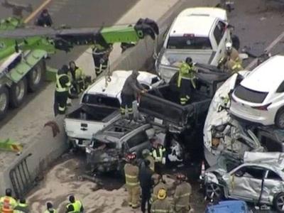 Τραγωδία στις ΗΠΑ: Οκτώ νεκροί σε καραμπ...