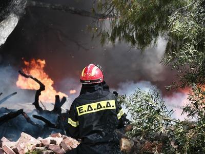 Τώρα! Μεγάλη φωτιά στο Τζάιλο της Δυτικής Αχαΐας