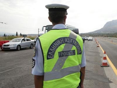 Καραμπόλα 4 οχημάτων στην Αθηνών-Κορίνθου