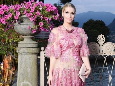 Lady Kitty Spencer: Oι Dolce e Gabbana έ...