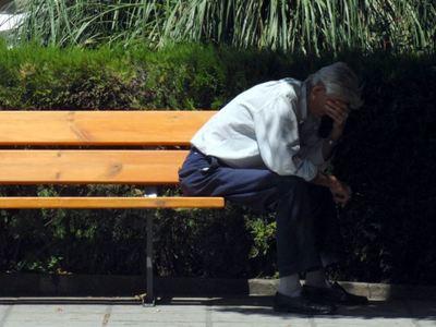 Έτσι εξαπατούν ηλικιωμένους να κάνουν ακόμη και ανάληψη από ΑΤΜ