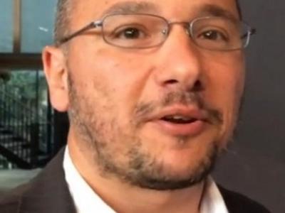 Έλληνας επιστήμονας εφηύρε μικροσκοπικές «χειροβομβίδες» κατά του καρκίνου