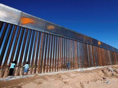 Οι ΗΠΑ θα ξοδέψουν 1,5δισ. για το τείχος στα σύνορα με το Μεξικό