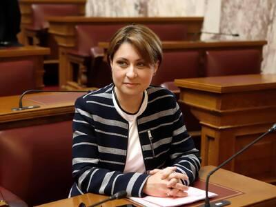 Η Χριστίνα Αλεξοπούλου συγχαίρει τον Αίολο Αγυιάς