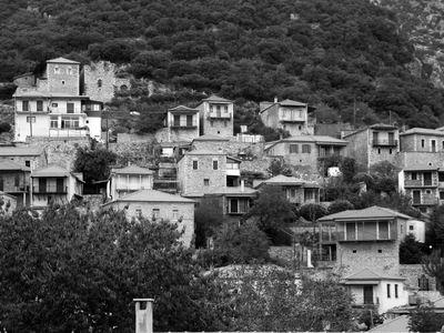 Ετοιμάζουν βαλίτσες για Καλάβρυτα και άλλα ορεινά χωριά της Πελοποννήσου - Πόσο κοστίζουν τα δωμάτια την Πρωτοχρονιά