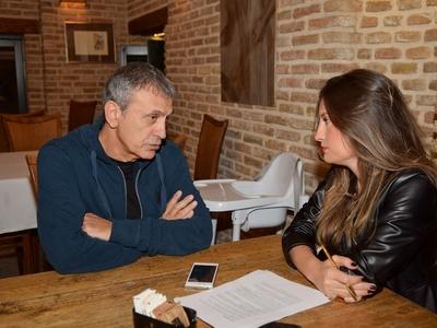 """Ο Γιώργος Νταλάρας αφηγείται τη ζωή του στο thebest: """"Μπορείς με τις επιλογές σου, να αλλάξεις την τύχη σου"""""""