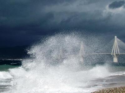Θυελλώδεις άνεμοι στη Δυτική Ελλάδα - Κλειστό το Ρίο - Αντίρριο - Ισχυροί άνεμοι και περιορισμοί στις διελεύσεις από τη Γέφυρα - ΒΙΝΤΕΟ