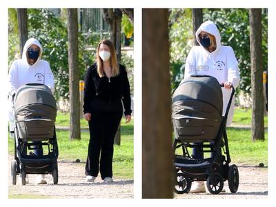 Τζένη Μπαλατσινού: «Ατέλειωτες» βόλτες μ...