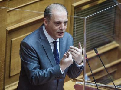 Βουλή: Άρση ασυλίας του Κυρ.Βελόπουλου α...