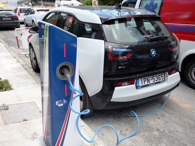 Χατζηδάκης: Η τιμή των ηλεκτροκίνητων οχ...