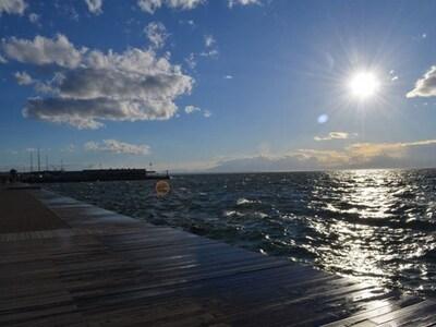 Καιρός: Ηλιοφάνεια και νέα άνοδος της θε...