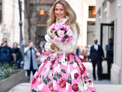«Το τερμάτισε» η Σελίν Ντιόν πετώντας λουλούδια ασορτί με τη φούστα της