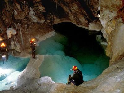 Σπήλαιο Λιμνών: Ο μυστικός παράδεισος της Αχαΐας - Δείτε εκπληκτικές φωτογραφίες