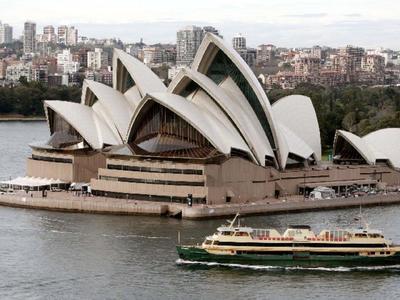 Χιλιάδες Έλληνες που έφυγαν για Αυστραλία, τώρα ζουν σε ξενώνες λαθρομεταναστών!