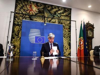 Ξανάρχισε τα μεσάνυχτα το Eurogroup- Σκληρή αντιπαράθεση για τα οικονομικά μέτρα
