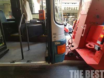 """Λεωφορείο """"ξέμεινε"""" στο κέντρο της Πάτρας και προκάλεσε κυκλοφοριακό """"χαμό""""! ΦΩΤΟ"""