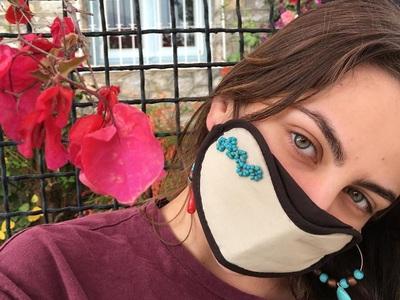 Stylish (και έξυπνες) μάσκες προστασίας με ετικέτα Vassilia και Tiny Shop