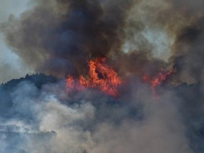 Κέρκυρα: Καίγεται ο χώρος υγειονομικής τ...