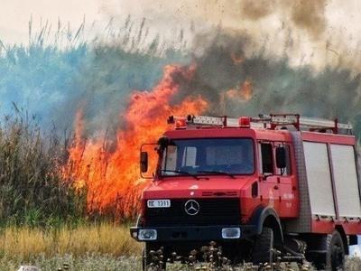 Μεγάλη πυρκαγιά στο χωριό Αγαλάς Ζακύνθου