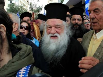 Αμβρόσιος: Η εκκλησία θα στηρίξει τον Κουρουμπλή… οι Συριζαίοι ψυχορραγούν