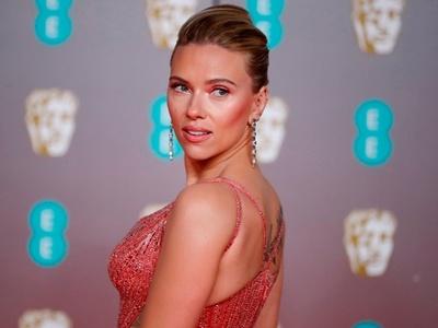 Λαμπερές εμφανίσεις που εντυπωσίασαν στο κόκκινο χαλί των βραβείων BAFTA 2020