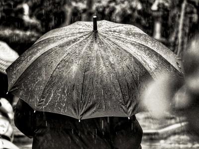 Έκτακτο δελτίο καιρού: Βροχές και καταιγίδες από το απόγευμα