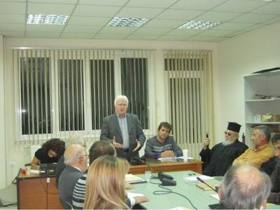 Ο Παύλος Μοσχολιός στο Δημοτικό Συμβούλιο Παρακαμπυλίων