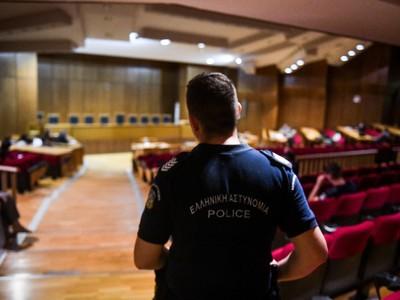 Σοκαριστικές  περιγραφές στη δίκη για τη δολοφονία του ναυτικού που βρέθηκε σε καταψύκτη