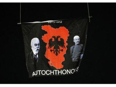 Απίστευτη πρόκληση Αλβανών μέσα στο γήπε...