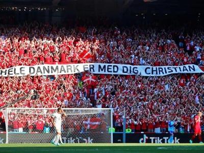 Συγκινητική στιγμή στο Δανία- Βέλγιο * Δ...
