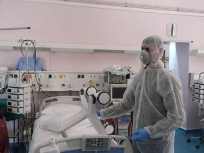 Καταγγελία Πολάκη: δίνουν 1.600 αντί 800 ευρώ ημερησίως για κρεβάτια Εντατικής στους κλινικάρχες
