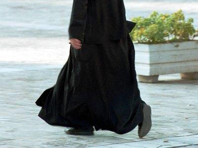 Κέρκυρα: Φυγαδεύτηκε ο παπάς που κατηγορείται για ασέλγεια σε ανήλικη - ΒΙΝΤΕΟ
