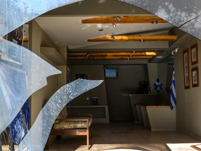 Επίθεση στα γραφεία της ΝΔ στην Πεύκη