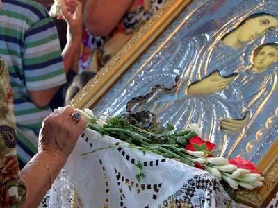 Δεκαπενταύγουστος: Η Ελλάδα αποτίει τιμές στην Παναγία Θεοτόκο