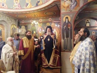 Ο Επίσκοπος Χρύσανθος στον εσπερινό στον πανηγυρίζοντα ναό των Εισοδίων της Θεοτόκου