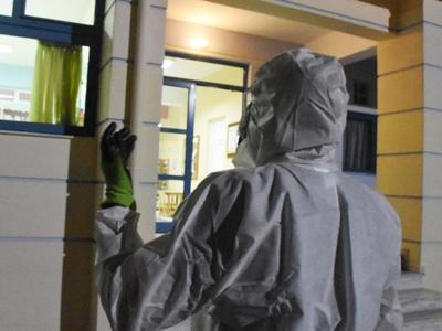 Έλληνας γιατρός στη Ρώμη: Είστε δέκα μέρ...