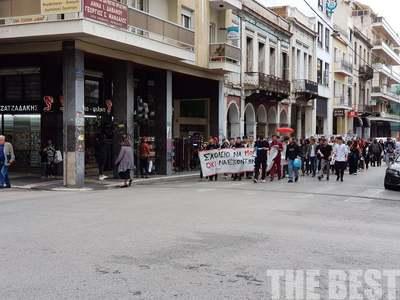 Πορεία μαθητών στο κέντρο της Πάτρας