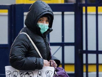 """Κορωνοϊός: Τελικά η μάσκα θα μας """"σώσει""""; Πώς μεταδίδεται, ποιοι κινδυνεύουν, πώς να προφυλαχθείτε"""