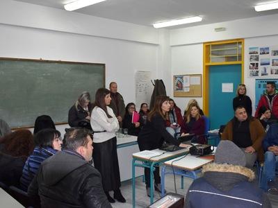 Τρία μέλη του Συμβουλευτικού Κέντρου Γυναικών Πάτρας στο Σχολείο Δεύτερης Ευκαιρίας