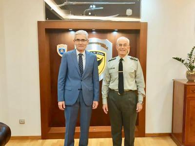 Με τον Αρχηγό του Γενικού Επιτελείου Στρ...