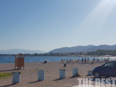 """""""Απαγορευτικό"""" στην πλαζ λόγω Μεσογειακών σήμερα αλλά οι Πατρινοί δεν... πτοήθηκαν! ΒΙΝΤΕΟ"""