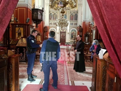 Επέμβαση Αστυνομίας στην Ευαγγελίστρια Πατρών - Αλαλούμ με την ατομική προσευχή - ΦΩΤΟ
