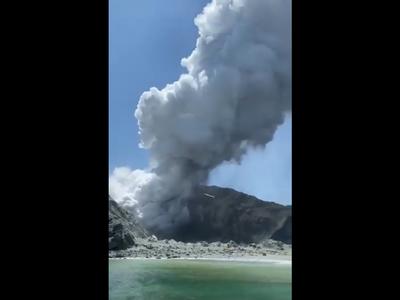 Έκρηξη ηφαιστείου στη Νέα Ζηλανδία - Ένας νεκρός και αρκετοί αγνοούμενοι